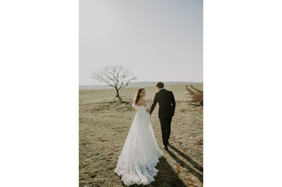 sina-demiral-sony-alpha-99II-bride-and-groom-walking-away-from-camera-hand-in-hand