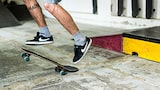 mine-kasopoglu-sony-alpha-9-skateboarder-jumps-on-board-close-up